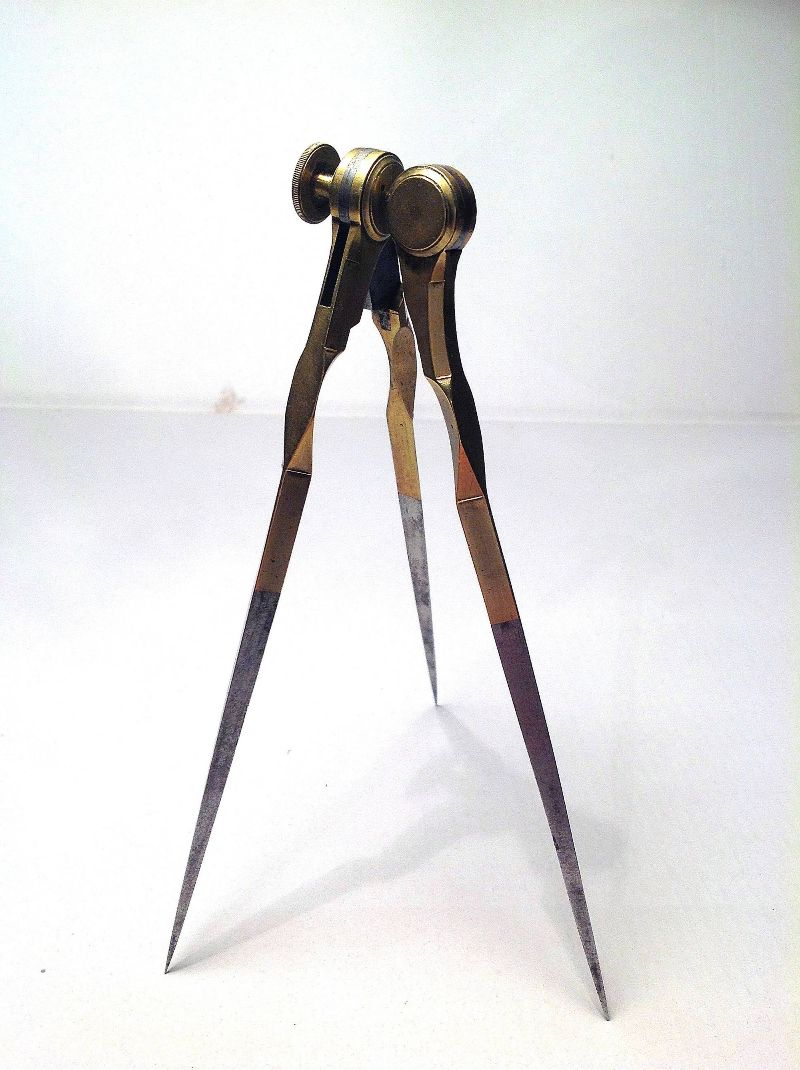Brass graphometer made by the famous French maker Jean Baptiste Delure.
